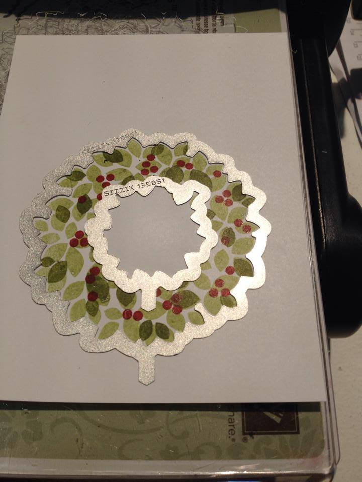 wreath framelit